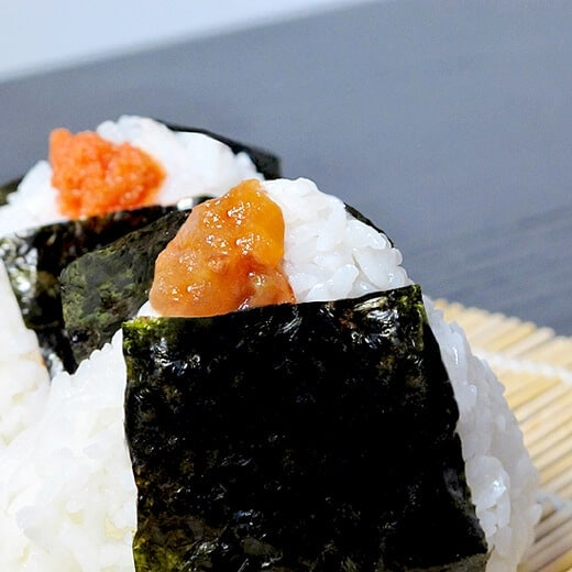 Onigiri Recipe with umeboshi and mentaiko