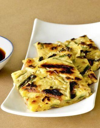 sliced jijimi with dipping saue