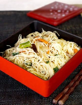 japanese rice noodle stir fry
