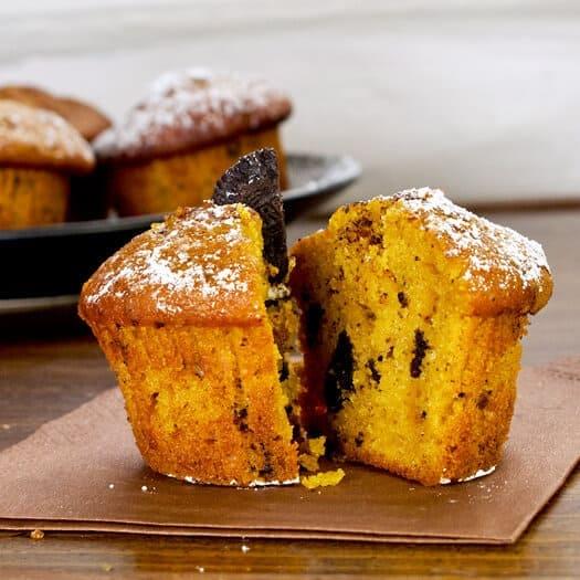 pumpkin muffins with powdered sugar