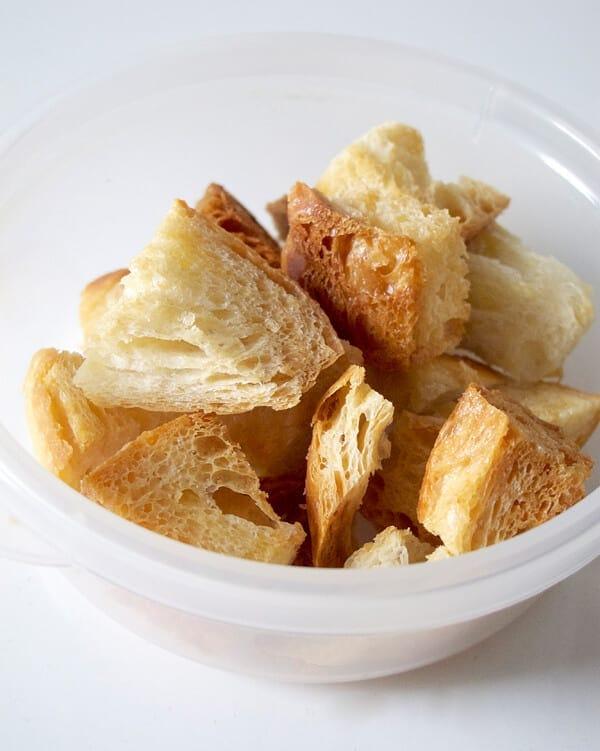crouton bread