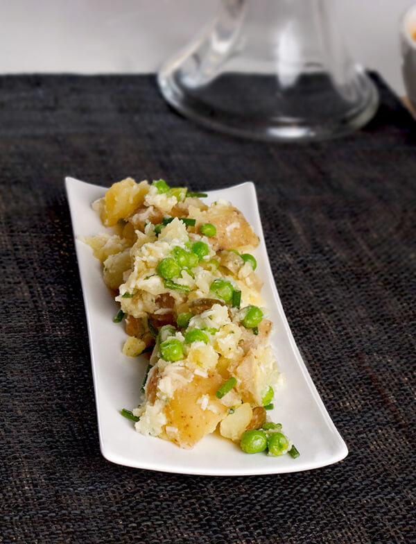 small potatoes with green peas