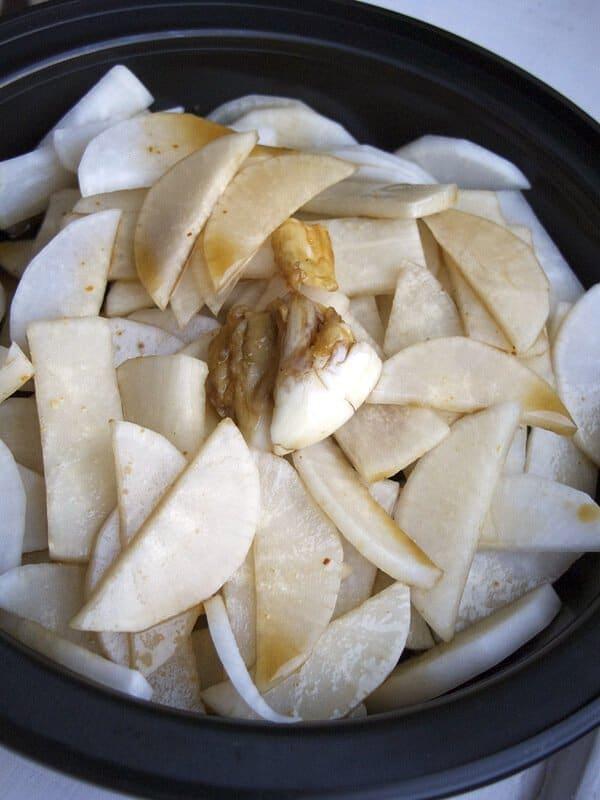chopped daikon with garlic