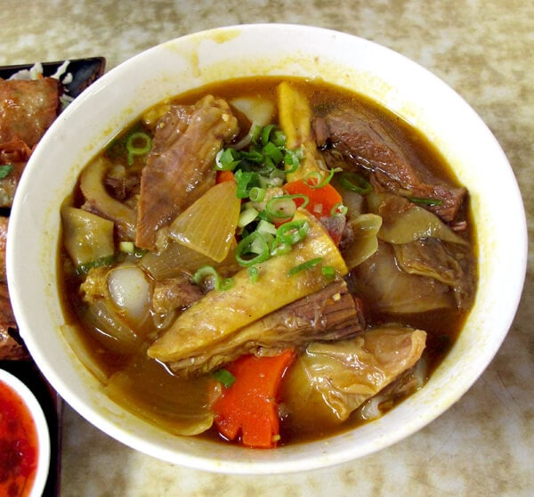 Beef belly flat noodle soup