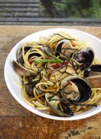 spaghetti vongole with shiitake mushrooms