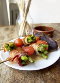 bacon wrapped asparagus yakitori (aspara bacon)