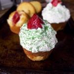 Japanese Christmas cupcakes