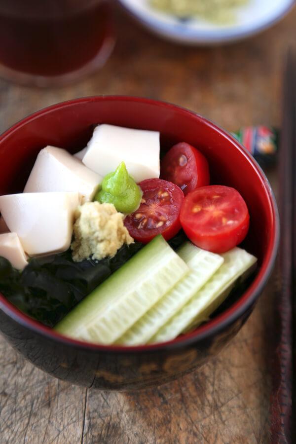 Seaweed salad - wakame salada