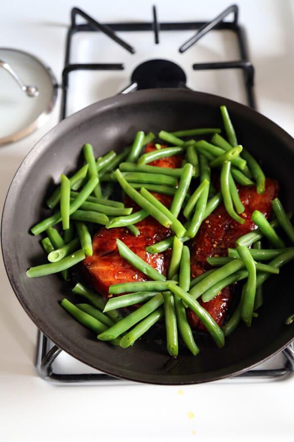 green-beans-pan