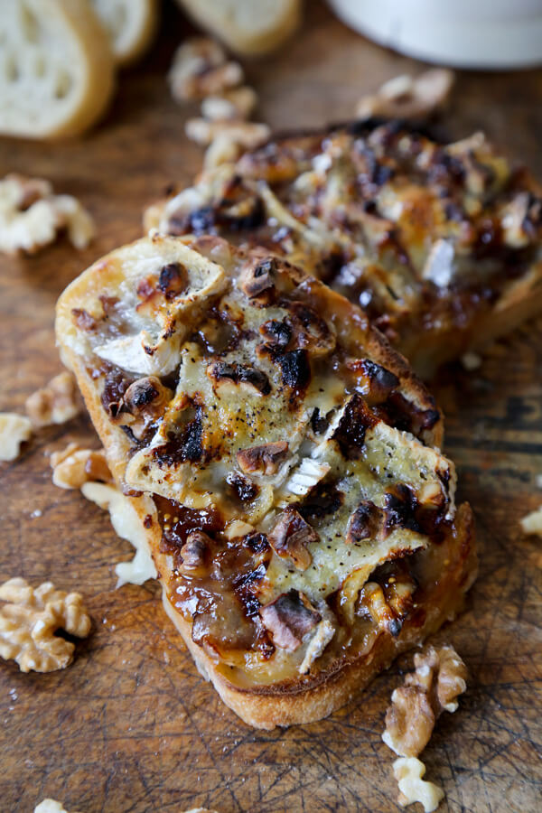 Caramelized onion and camembert cheese bread