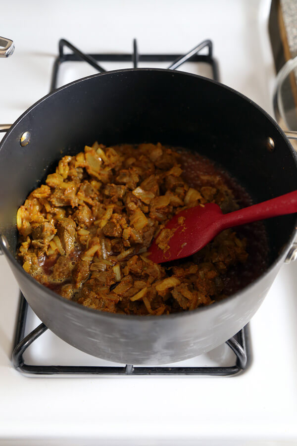 beef-onions-curry
