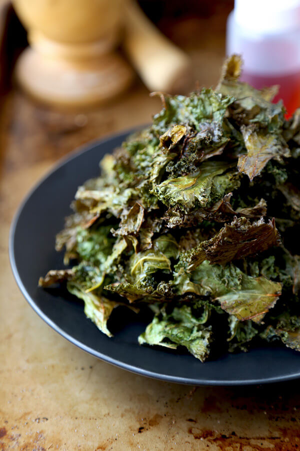 Super bowl party kale chips