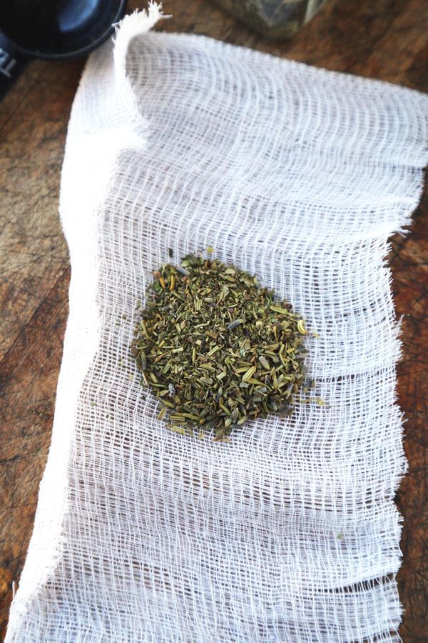 herbes-de-prov-in-cloth