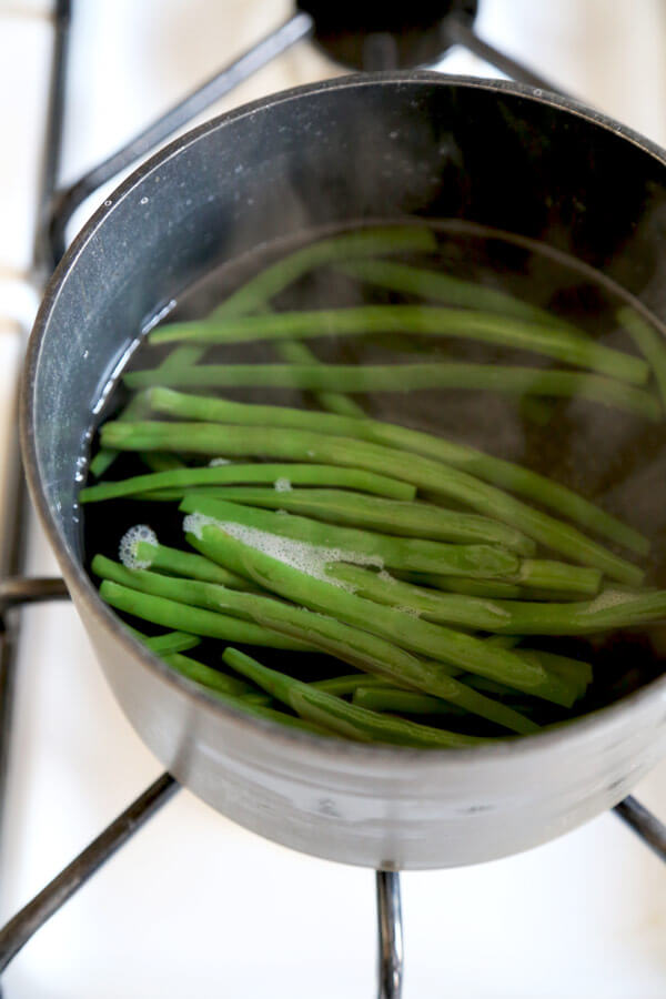 green-beans-boiling
