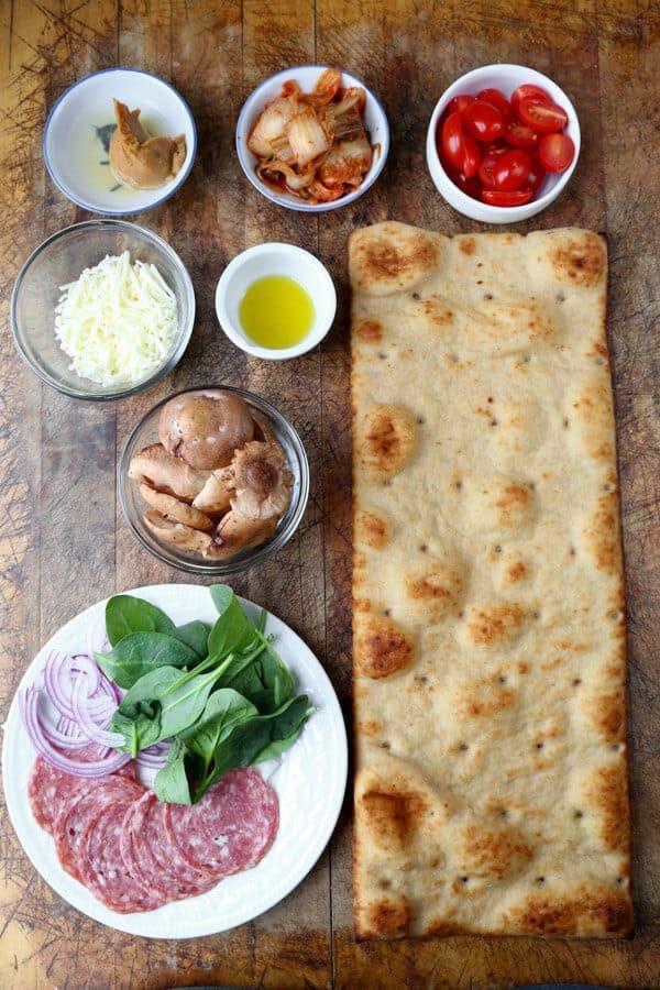 kimchi-pizza-ingredients