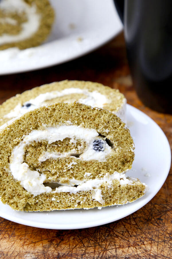 Matcha Roll Cake with Fresh Blueberries