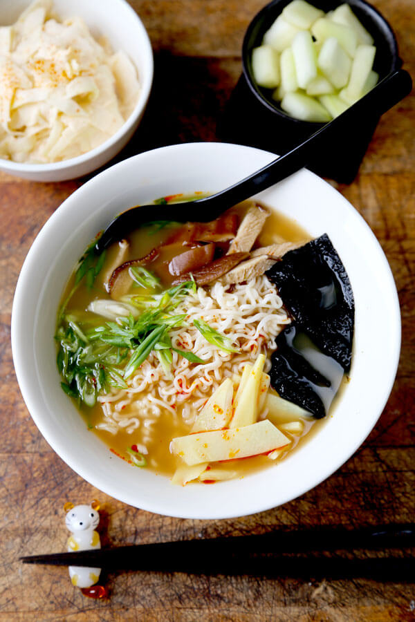 9 Easy Ramen Recipes - Learn how to make homemade ramen broth at home with these easy ramen recipes! Whether you like your ramen authentic or instant, chicken or vegetarian, these recipes will satisfy the ramen lover in you! #ramenrecipes #homemade #noodlesoup #japanesefood | pickledplum.com