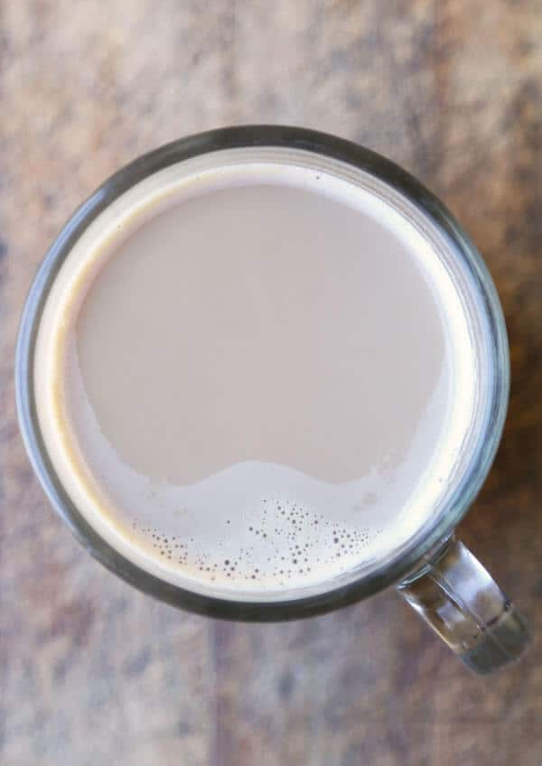 This is a quick and delicious Pumpkin Spiced Latte recipe. Drink it cold or hot, this homemade latte will cost you a lot less than what you pay at Starbucks! #latterecipe #pumpkin #fallrecipes #starbucksdrink | pickledplum.com
