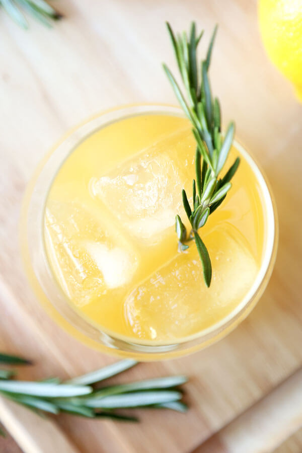 rosemary-ginger-whiskey-sour-4OPTM