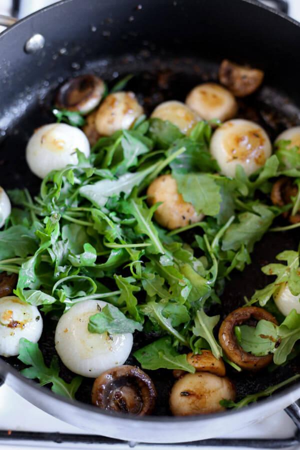mushrooms-arugula