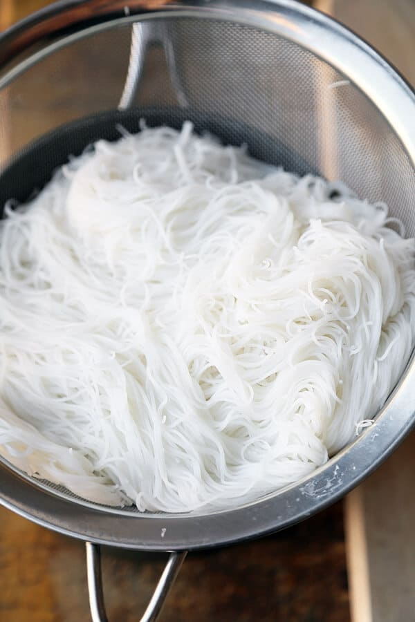 cooked-rice-noodles