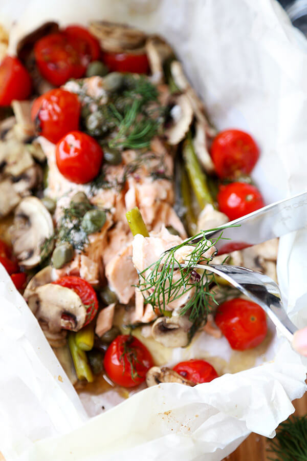 Salmon En Papillote - A delicious and easy to make Salmon En Papillote Recipe that looks refined, but is so simple you can get it on your family's dinner table in 30 minutes! Recipe, Easy, Healthy, Gluten-Free, Seafood, Baking | pickledplum.com