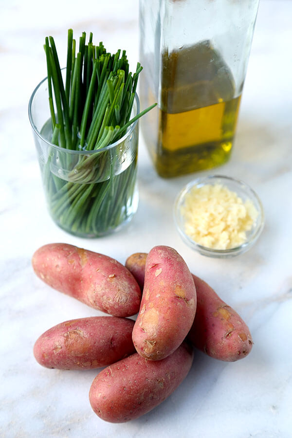 ingredients-for-smashed-red-potatoes