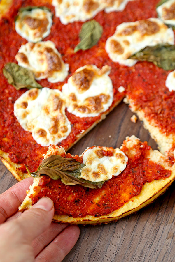 Gluten Free Cauliflower Pizza Crust Alla Margherita - A delicious Cauliflower Pizza Crust Alla Margherita Recipe that tastes just like a pizza-pie from your favorite pizzeria. Gluten Free and ready in 35 minutes! Recipe, gluten free, snack, pizza, healthy, Super Bowl | pickledplum.com