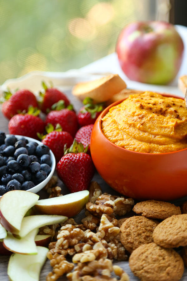 Pumpkin Dip Recipe - Low fat ricotta, mascarpone, pumpkin puree and fall spices make a whipped Sweet Pumpkin Dip Recipe that will be your healthier go-to dessert recipe this holiday season! Recipe, dip, pumpkin, snack, Thanksgiving, Christmas, healthy snack | pickledplum.com