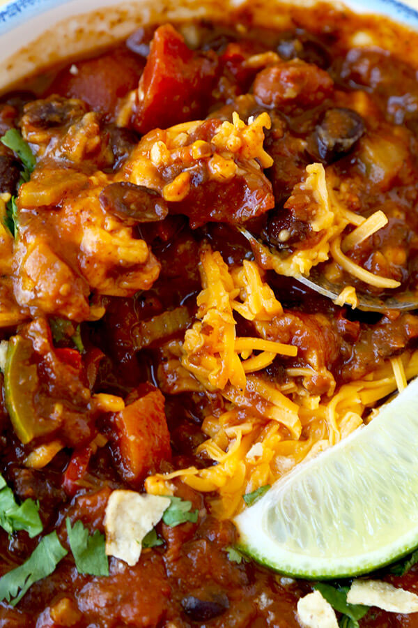 Vegetarian Chili Recipe - Who needs meat when you can make a vegetarian chili taste better and richer without it! Recipe, vegetarian, chili, main, healthy, dinner | pickledplum.com
