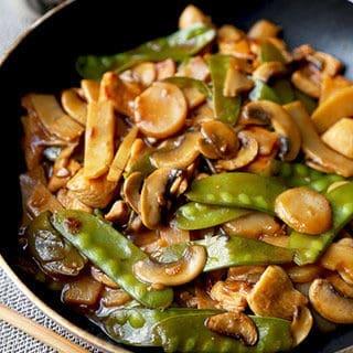 Moo Goo Gai Pan – 蘑菇雞片