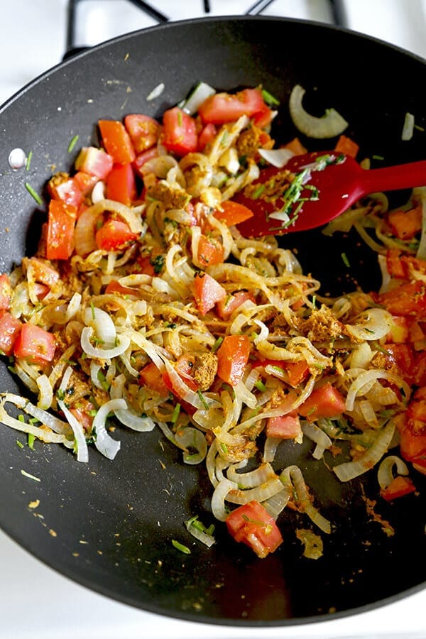 onions-and-tomatoes