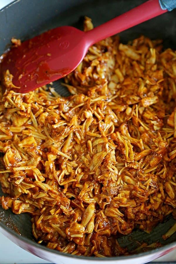 Vegan Jackfruit Pulled Pork Sandwiches