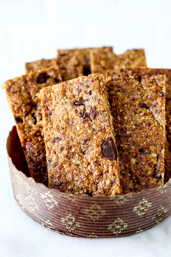 Healthy Granola Bars - Indulge your sweet tooth while keeping it low sugar with this nutty and delicious Healthy Granola Bars Recipe. Ready in 25 minutes. homemade granola bar recipe, healthy snacks recipes, energy bars, oat bar recipes | pickledplum.com