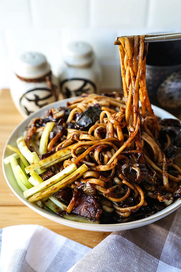 vegan jajangmyeon