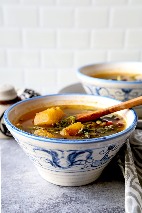 Spicy Kabocha Squash & Adzuki Bean Soup - Sichuan dinner recipes, squash soup recipe, authentic Chinese recipes, Asian dinner recipes, adzuki beans, spicy Asian food, Asian vegetarian recipes, vegetarian appetizers | pickledplum.com