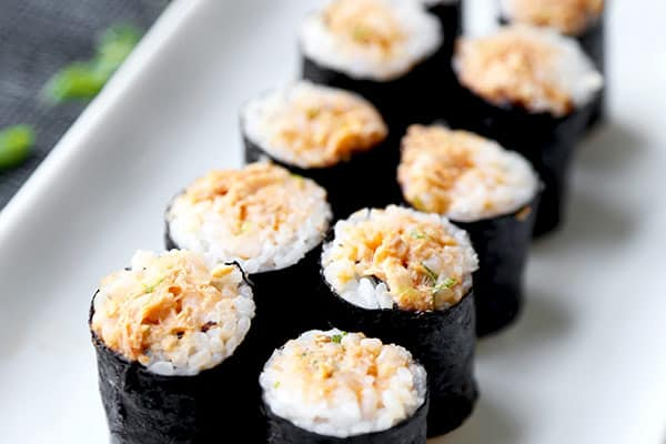 How to make sushi rolls tuna