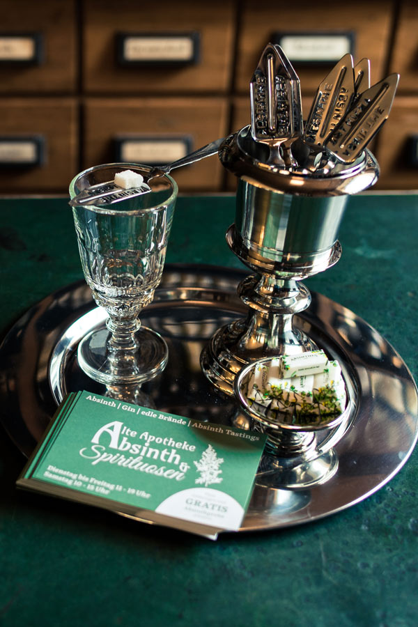 All About Absinthe - 10 facts and myths about this famous green cocktail fairy. Learn about the history, art, the effects of absinthe and if using a spoon is necessary! #absinthe #drinks #fairy | pickledplum.com