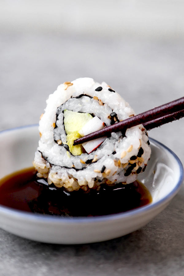 California Rolls & Spicy California Rolls - Easy homemade sushi recipe with a step by step How To Make video. #sushirecipes #japanesefood #healthyrecipes #californiarolls | pickledplum.com