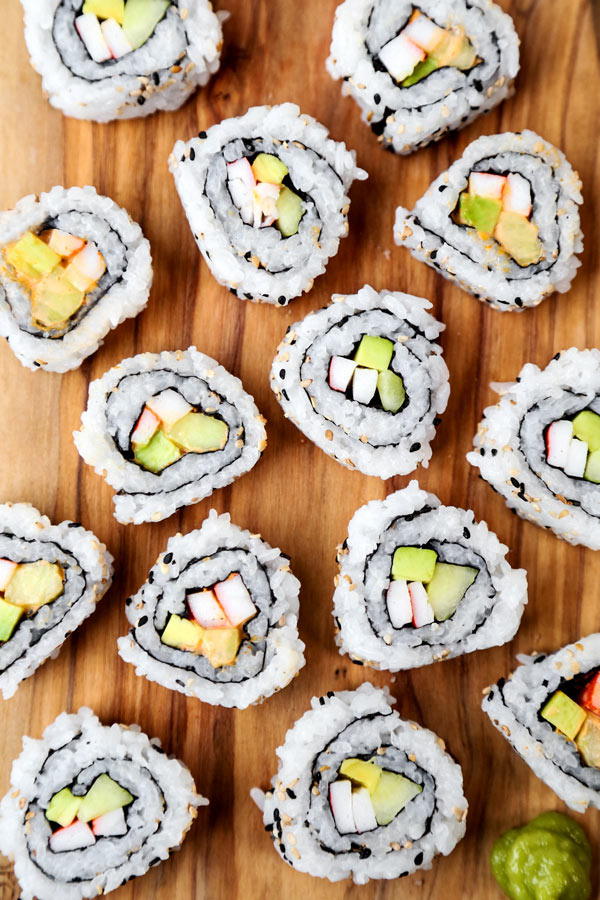 California Roll & Spicy California Roll - Easy homemade sushi recipe with a step by step How To Make video. #sushirecipes #japanesefood #healthyrecipes #californiarolls | pickledplum.com