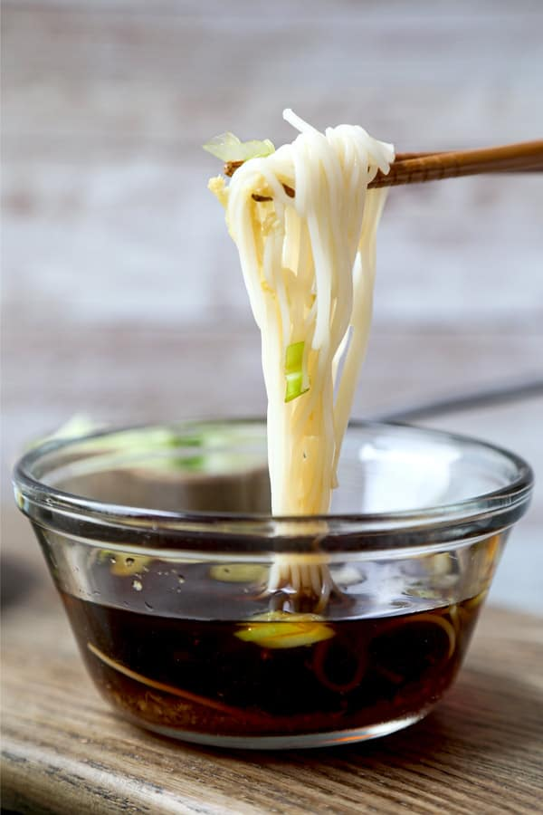 somen noodles with dipping sauce | pickledplum.com