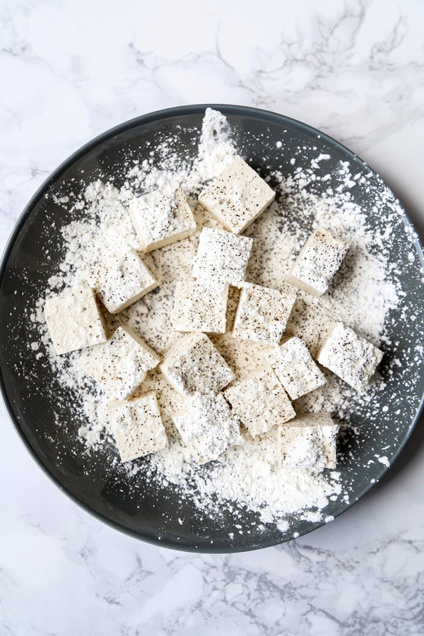 tofu cubes dusted with cornstarch | pickledplum.com