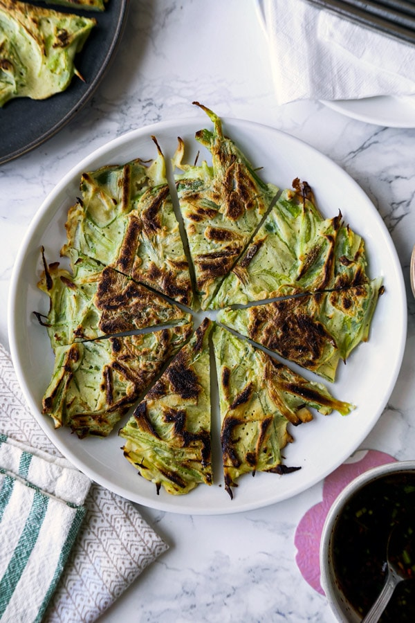 scallion pancakes - pajeon | pickledplum.com