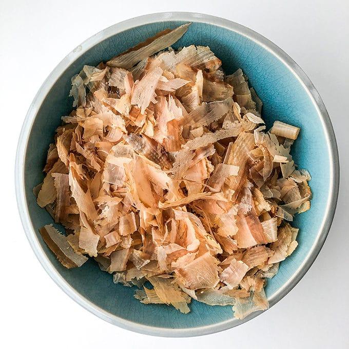 bonito flakes (katsuobushi)