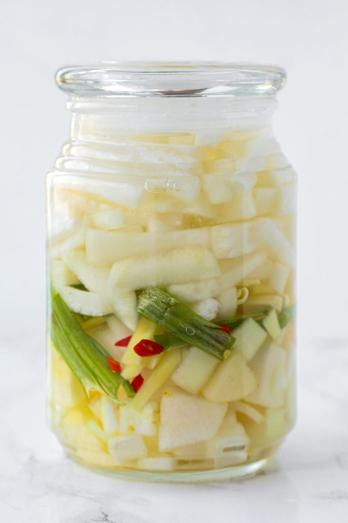 Dongchimi (Korean Radish Water Kimchi)