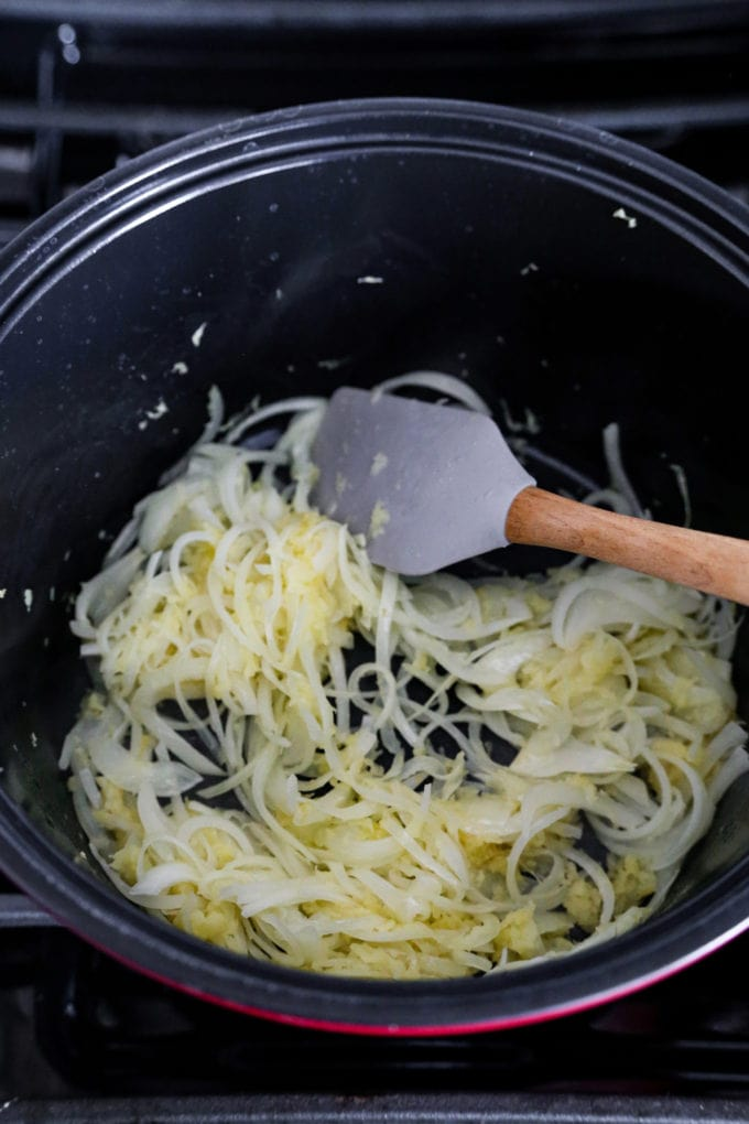 sliced onion cooking