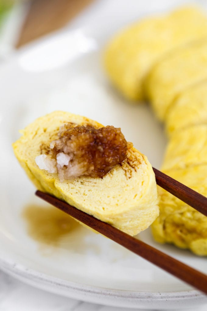 tamagoyaki with daikon and soy sauce