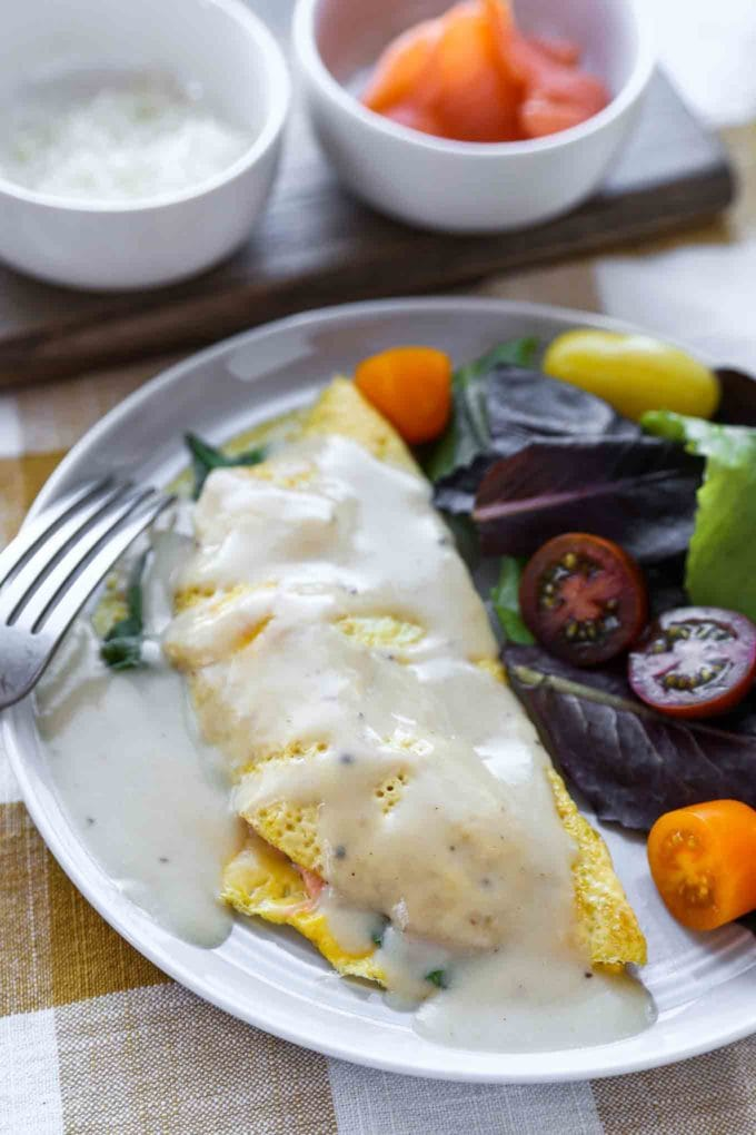 smoked salmon omelette with white sauce