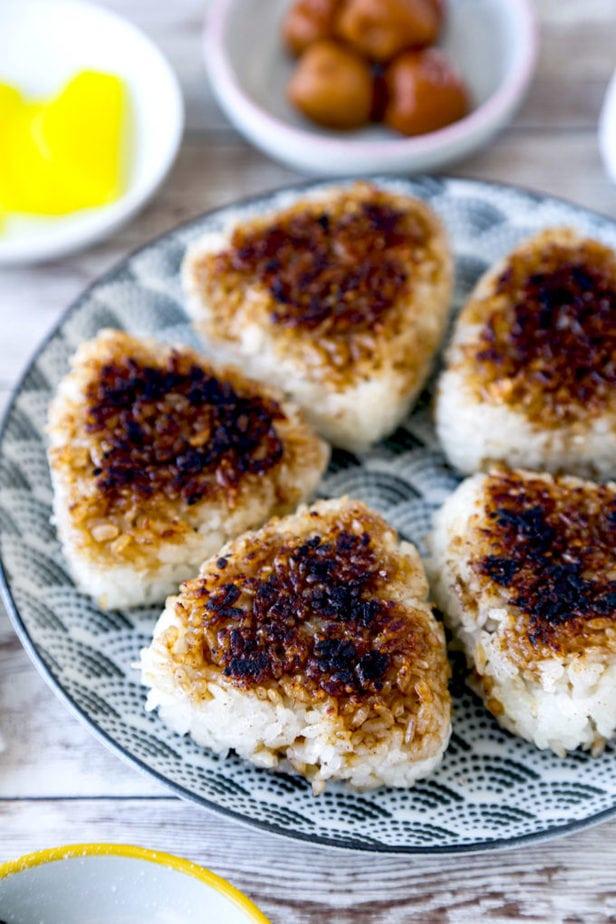 How to make yaki onigiri (grilled Japanese rice balls)
