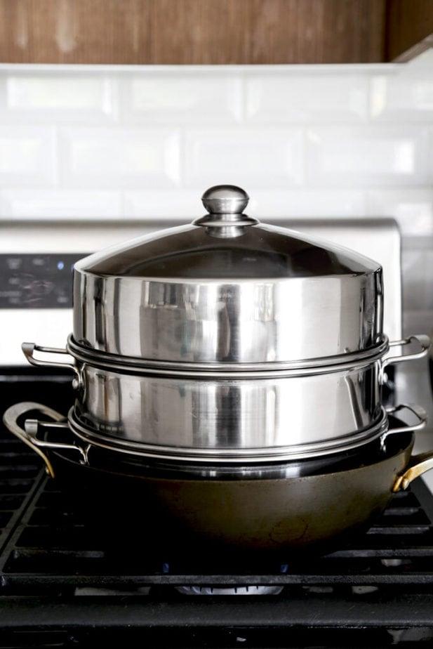 Steaming bao buns